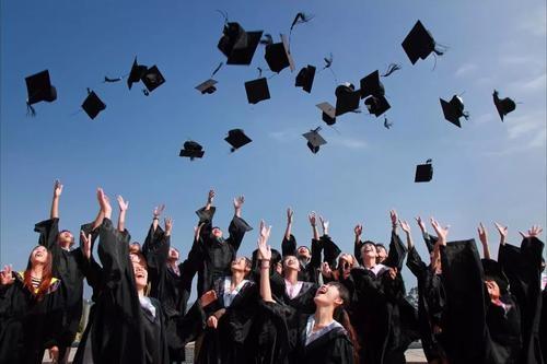 衢州人才网分享应届毕业生工作难找的原因
