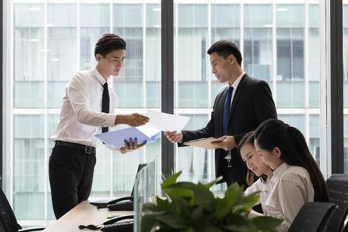 衢州人才网分享在公司让谁吃饱最有前途。